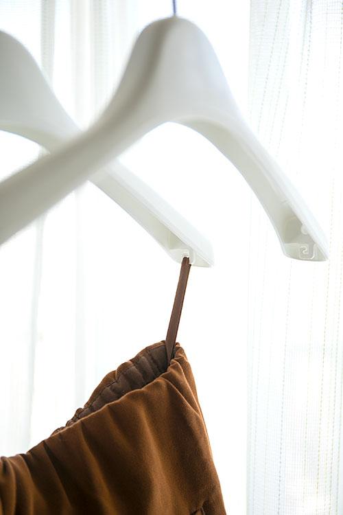 コーベルクローゼット プラスチック製ホワイトのハンガー